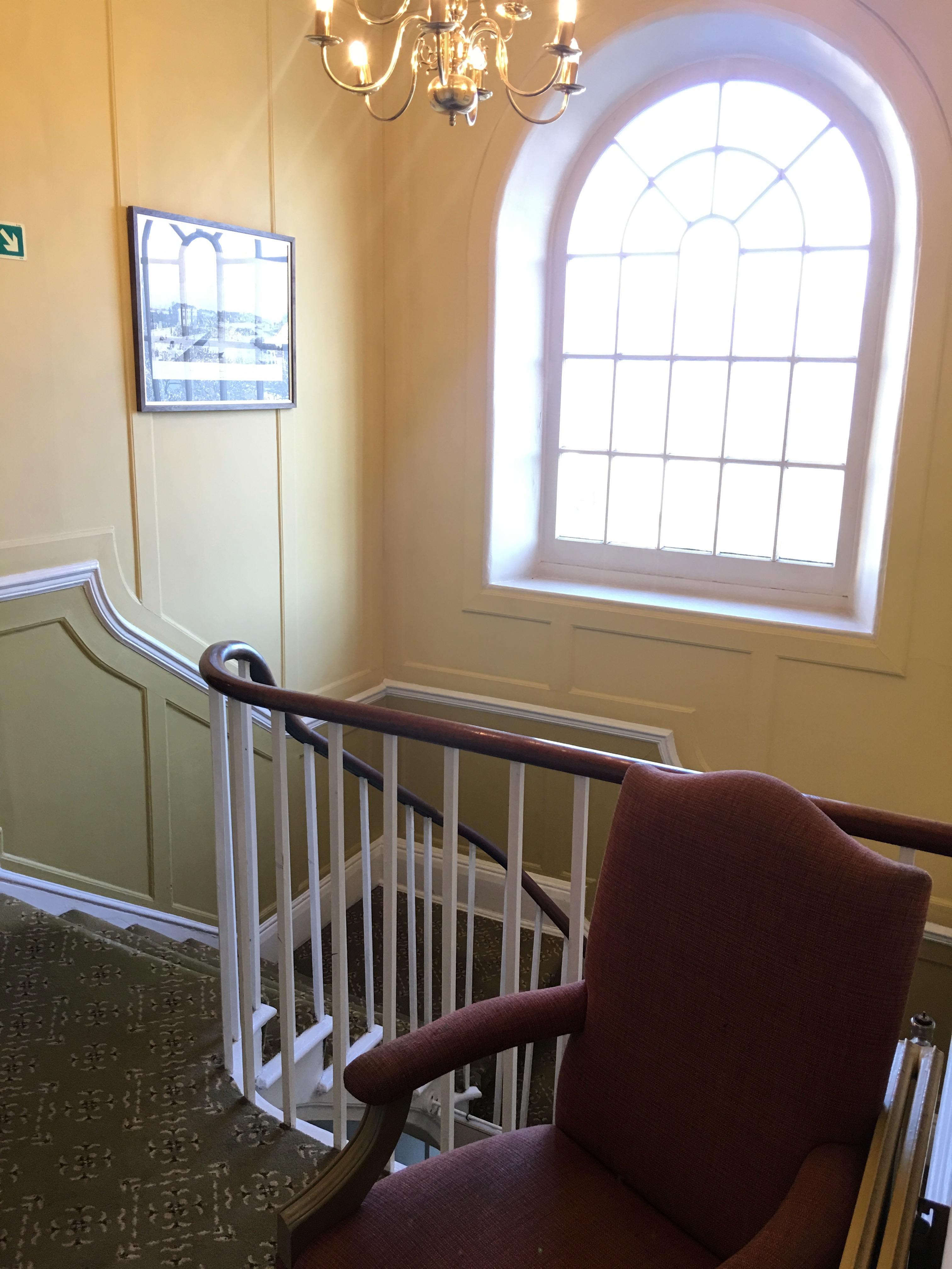 Treppenhaus im Hotel gleicht englischem Landsitz
